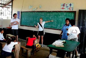 Freiwilligenarbeit Ecuador Sozialarbeit mit Kindern