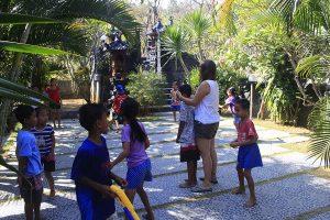 Pädagogik Praktikum Bali Kidner spielen