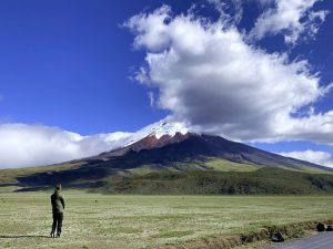 Vulkan Ecuador, Freiwilliger