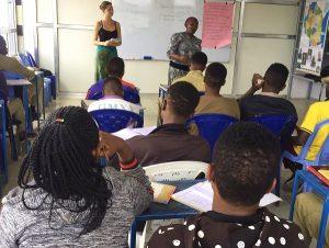Frauenhaus Tansania, Aufklärung durch Freiwillige